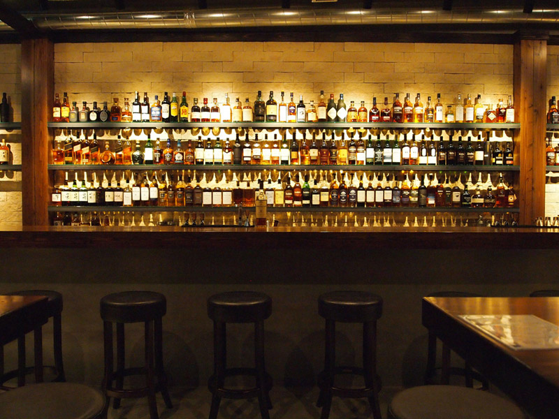 WHISKEY BAR PMの店内